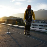 VERTIC's ALTILIGNE horizontal lifeline system on bitumen roofing