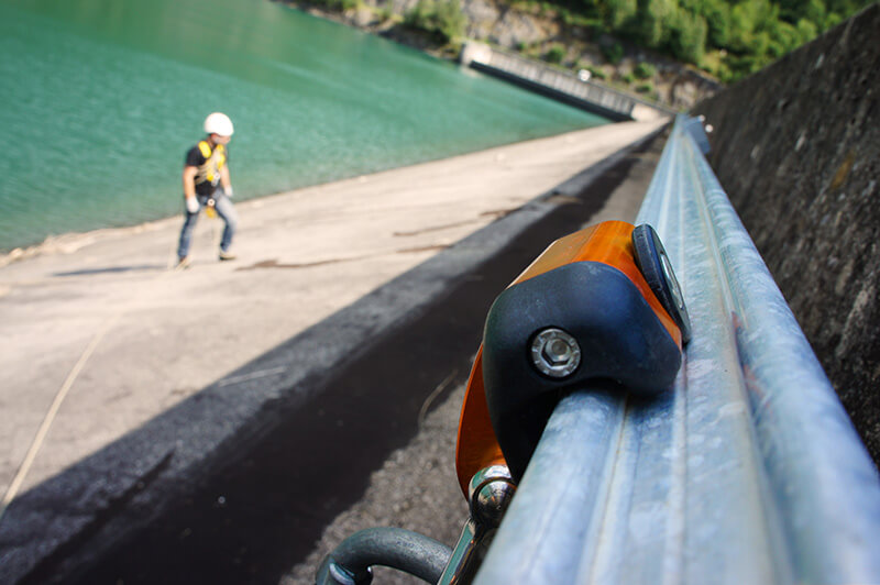 VERTIC's ALTIRAIL horizontal fall protection rail system - Verney's dam