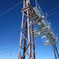 VERTIC's VERTILIGNE vertical lifeline system on ski pylons